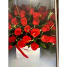 caja  blanca  con 40  rosas