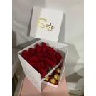 caja   con  chocolates abierta